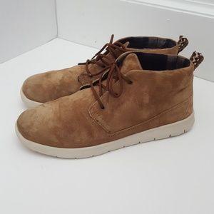 Ugg Canoe tan suede big kid chukka boot size 6